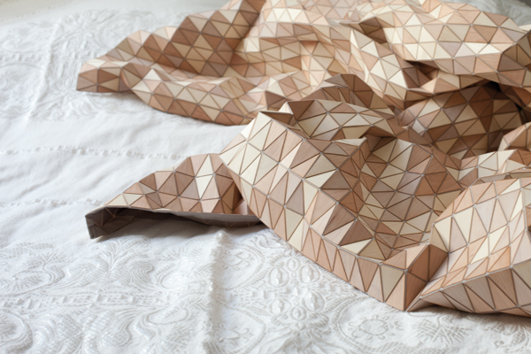 Elisa Strozyk, madera hecha textil
