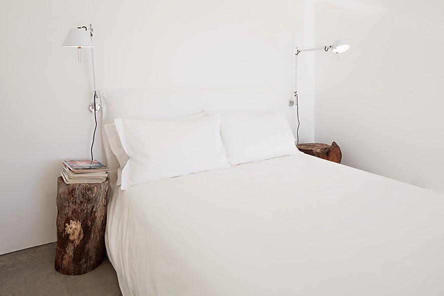 casa-na-areia_aires-mateus_dormitorio01