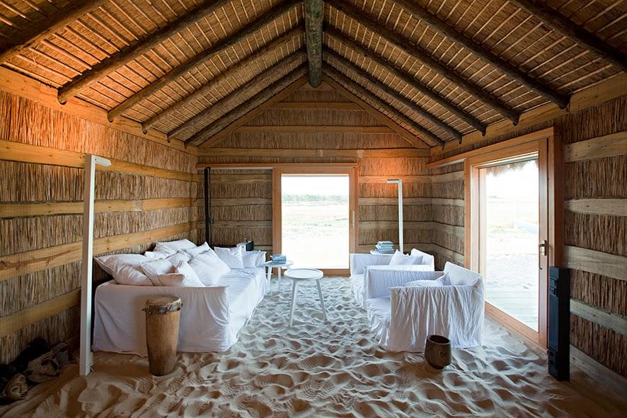 casa-na-areia_aires-mateus_salon01
